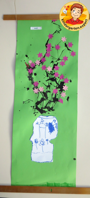Chinese painting of cherry blossom in a Chinese vase 2, China theme, kindergarten.expert
