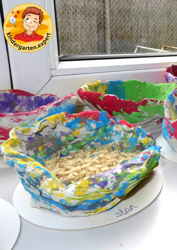 Chinese rice bowls made of clay 2, China theme, kindergarten expert