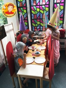 Hat for a noblewomen 3, knights and noblewomen theme, kindergarten expert