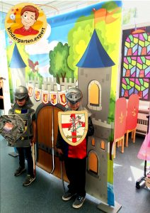 The castle 3, knights and noblewomen theme, kindergarten expert