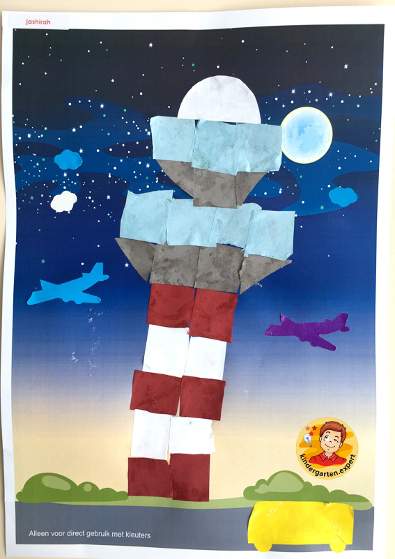 Making a control tower with 16 squares, airport theme, kindergarten expert 3