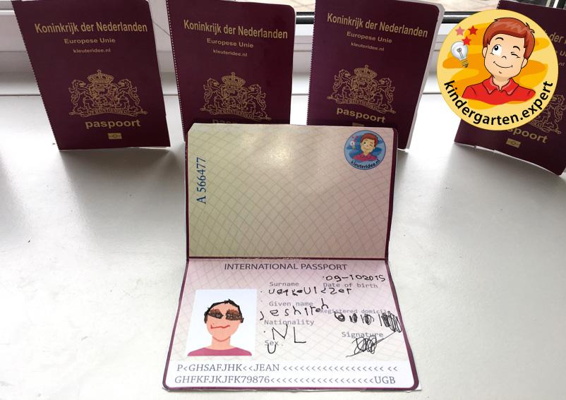 Passport craft, airport theme, kindergarten expert 3